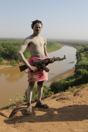 Pastor del río Omo